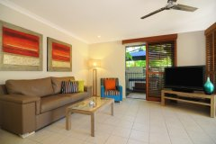 One Bedroom Superior Apartment with optional Private Jacuzzi or Pool Deck - Meridian Apartments Port Douglas