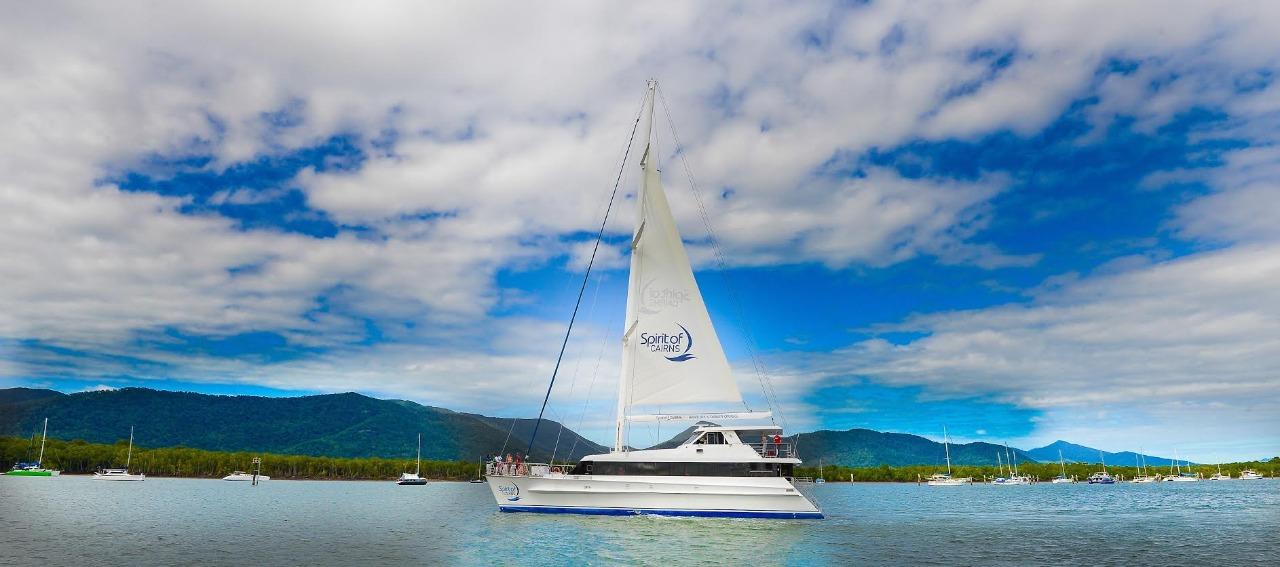Cairns Family Dinner Cruise & Sunday Lunch Cruises | Luxury Dinner