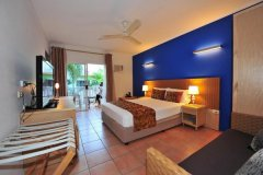Standard Queen Room - Coral Tree Inn Cairns Accommodation