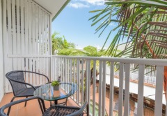 Standard Room - Coral Tree Inn Cairns