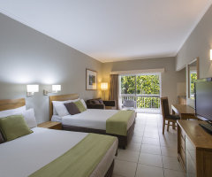 Standard Room - Hotel Grand Chancellor Palm Cove
