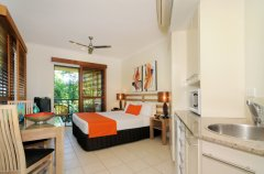Studio Premier Apartment with Kitchenette - Meridian Apartments Port Douglas
