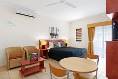 Studio Suite - Cairns Queens Court Hotel