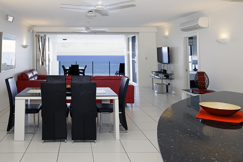 Cairns Beach Accommodation | Trinity Beach Apartments ...