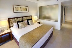 Stylish Hotel Spa Rooms | Palm Cove Sea Temple Private Apartments