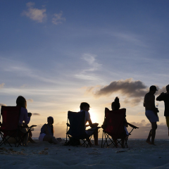 Sunset drinks on Sudbury Cay