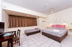 Superior room Triple - Hides Hotel Cairns