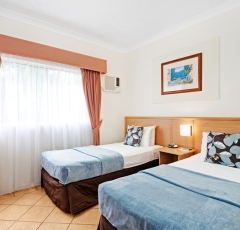 Cairns budget group accommodation - Superior Twin - Cairns Queens Court Hotel