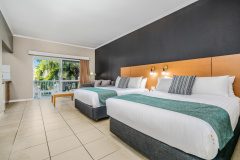 Superior Twin Room - Hotel Grand Chancellor Palm Cove