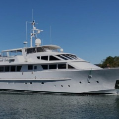 Superyachts Cairns - Cruising the Great Barrier Reef