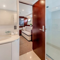 Superyachts Great Barrier Reef - Master Ensuite