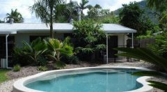 Swiming Pool - Palm Cove Holiday Villa