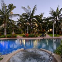 Swimming Pool & Spa - Cairns Beach Resort
