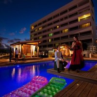 Swimming Pool & Lilo Wet Bar - Rydges Plaza Hotel Cairns