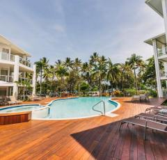 Swimming Pool (Heated in winter) & Spa - Beaches Holiday Apartments Port Douglas