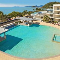 Swimming Pool with Ocean Views & BBQ Facilities