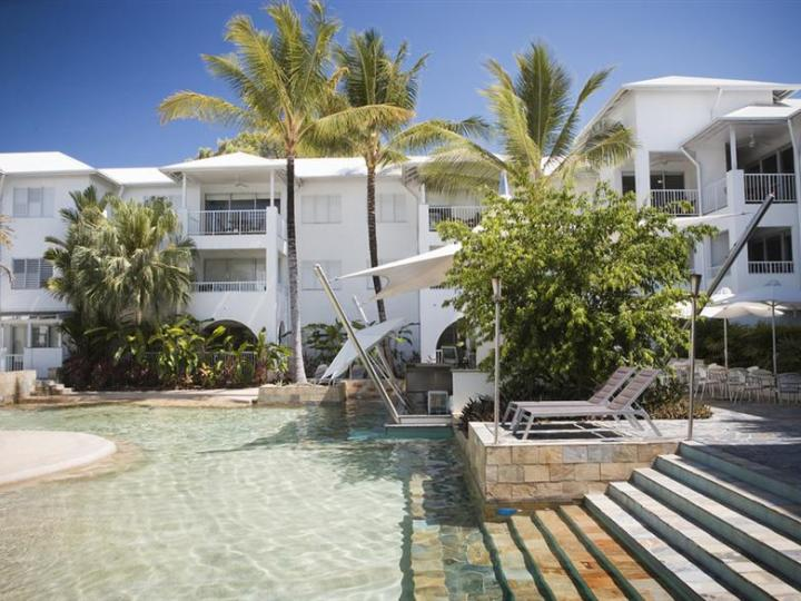 Swimming Pool with Swim Up Bar at Mantra Portsea Port Douglas