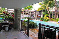 Resort Private Swimout holiday Apartment Courtyard - Port Douglas Apartments
