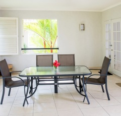 Three Bedroom Apartment - The Lakes Resort Cairns