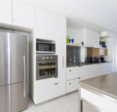 Three Bedroom Apartment Kitchen - Peppers Blue on Blue Resort - Magnetic Island