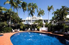 Tropical Swimming Pool - The Hotel Cairns