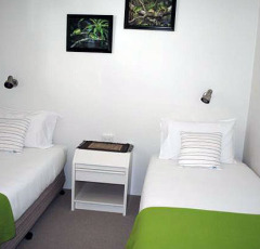 Twin Bedroom - Palm Cove Holiday Apartment