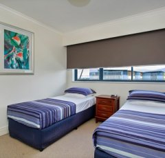 Twin Bed holiday accommodation on the esplanade in Cairns