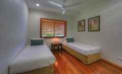 3rd Bedroom Twin Room - Mission Beach Holiday House