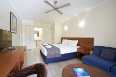 Two Bedroom Apartment Dual Key (Frangipani) Bedroom Cairns Queenslander Holiday Apartments