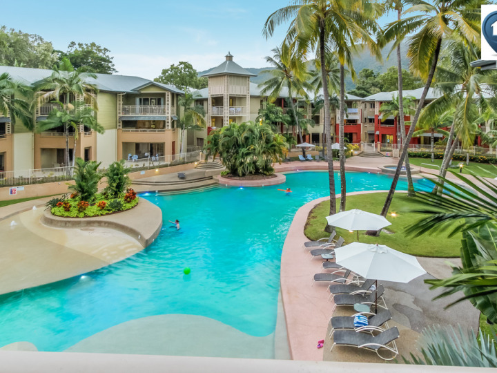 View across the Mantra Amphora swimming pool in Palm Cove