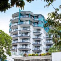 Breakfree Royal Harbour, prime position on Cairns Esplanade - Directly above Cairns Night Markets. Cairns City Holiday Accommodation