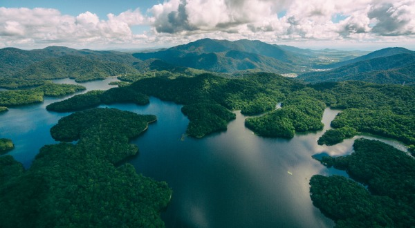 Views of Cairns and Lake Morris - Cairns Helicopter Tour