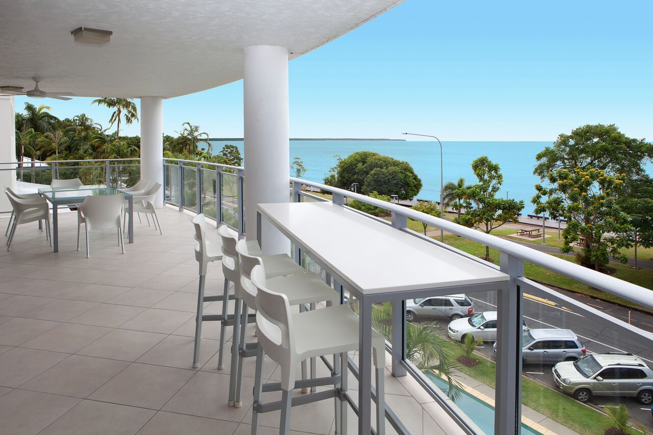 ... Vision Cairns Holiday Apartments   Sub Penthouse Accommodation ...