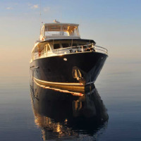 Visit the Great Barrier Reef in style | Overnight 8 Guests | Day Charter 12 Guests