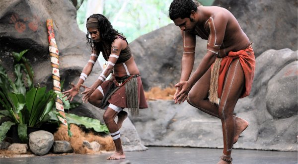 Watch Aboriginal cultural shows by day and by night on a coach tour to Tjapukai at Aboriginal Cultural Park Cairns