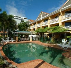 Waterfront Terraces Cairns Apartments - Heated Swimming Pool