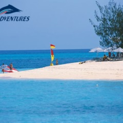 White sand beaches and crystal clear blue water Green Island perfect for diving and snorkelling