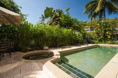 Swimming Pool and Spa at Port Douglas holiday Apartments