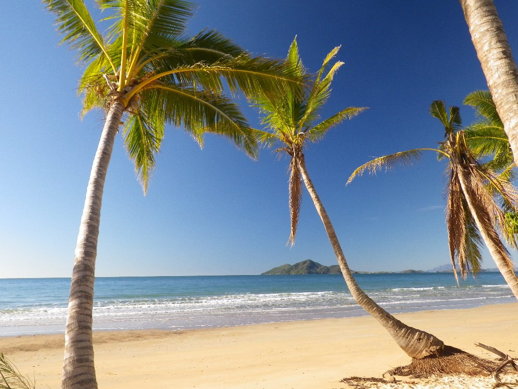 Dunk Island Holidays: Mission Beach Visitor Information, Tropical North Queensland