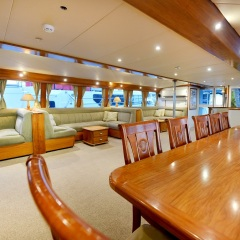 Yacht Charter Cairns - Salon Seating